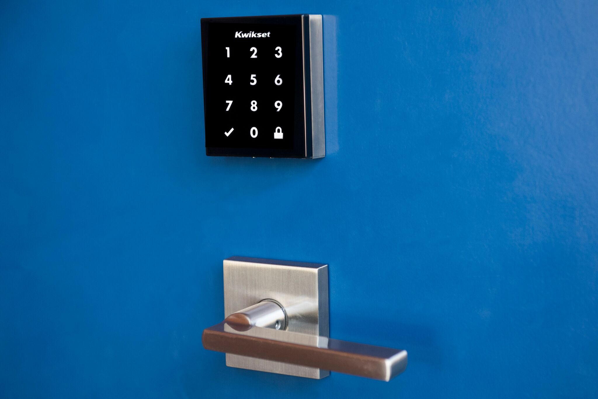 ae revolutionizes open using back touch door the home media kevo abby entry kwikset and fing draper smartphone imre en news lock doors to